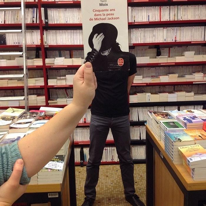 Bookselling - Yann Moix Cinquante ans dans la peau de Michael Jackson Use) AVA MncL