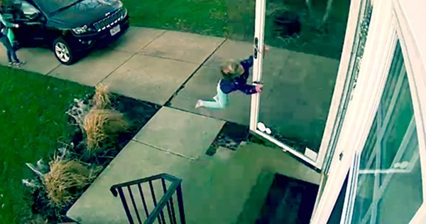 fail video 4-year-old Ohio girl blown away by high winds