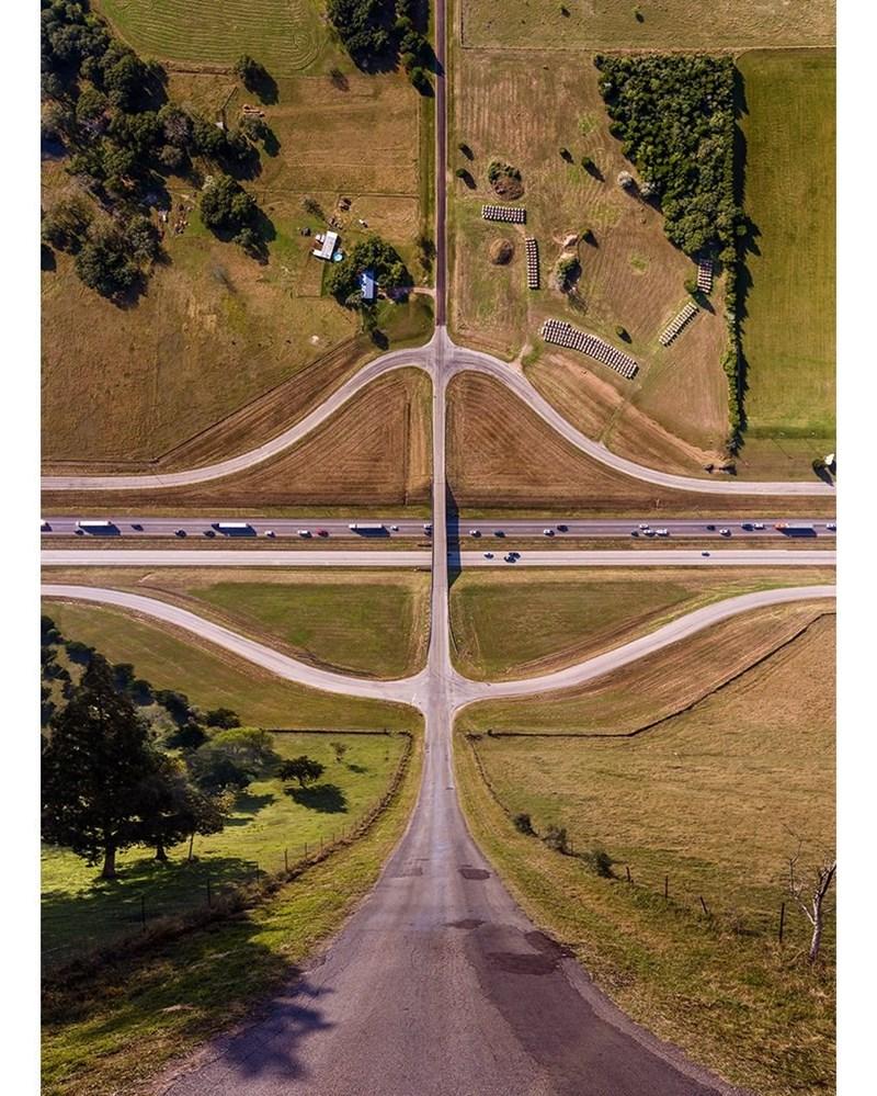 trippy landscape - Road