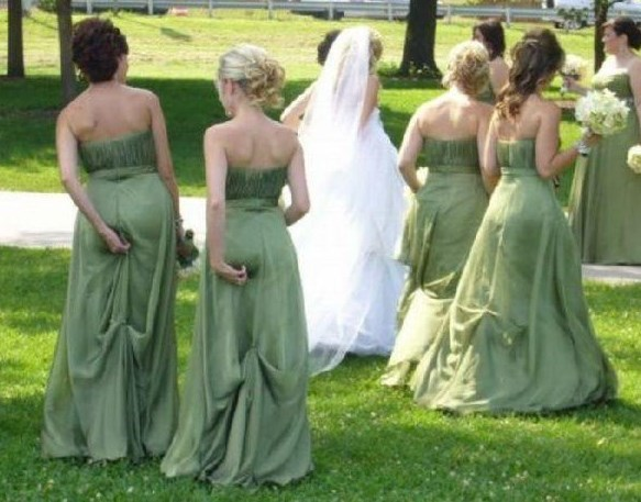 funny pic of bridesmaid fixing wedgies