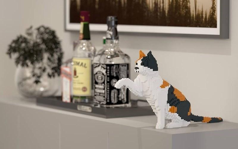 lego cats - Shelf