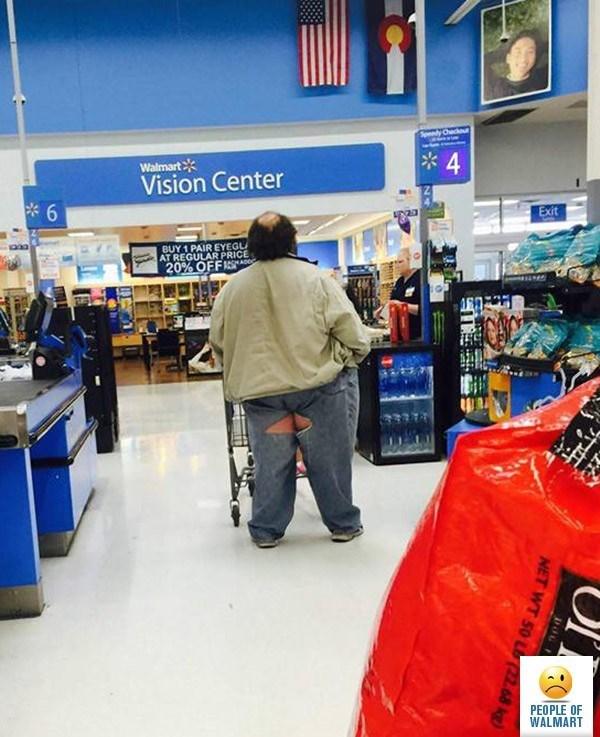 Supermarket - pedy Checou Walmart Vision Center e6 Exit BUY 1 PAIR EYEGL AT REGULAR PRICE 20% OFFI PEOPLE OF WALMART DoL NET WT 50 L 22 68 kg