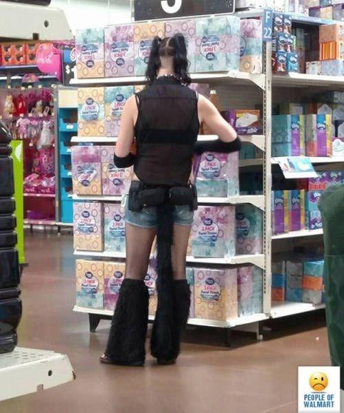 Retail - Oc 22 JCK ed PEOPLE OF WALMART