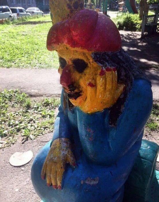 Sculpture creepy