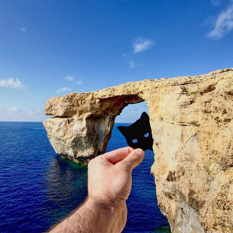 paper cutout on landmarks - Rock