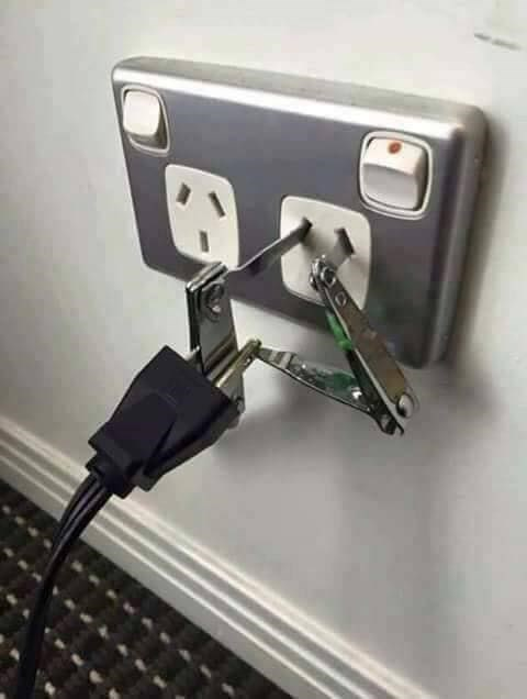 Universal wall adapter made out of DIY nail clippers