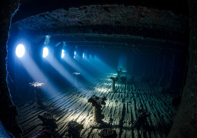 Nadya Kulagina pic taken of underwater ship wrecks