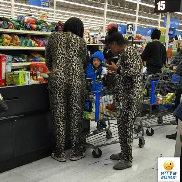 Supermarket - 15 SAND Wers Wear sGA PACK PEOPLE OF WALMART
