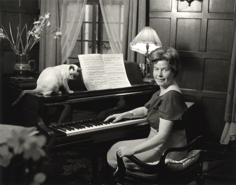 Chrstina Foyle at her piano with her cat