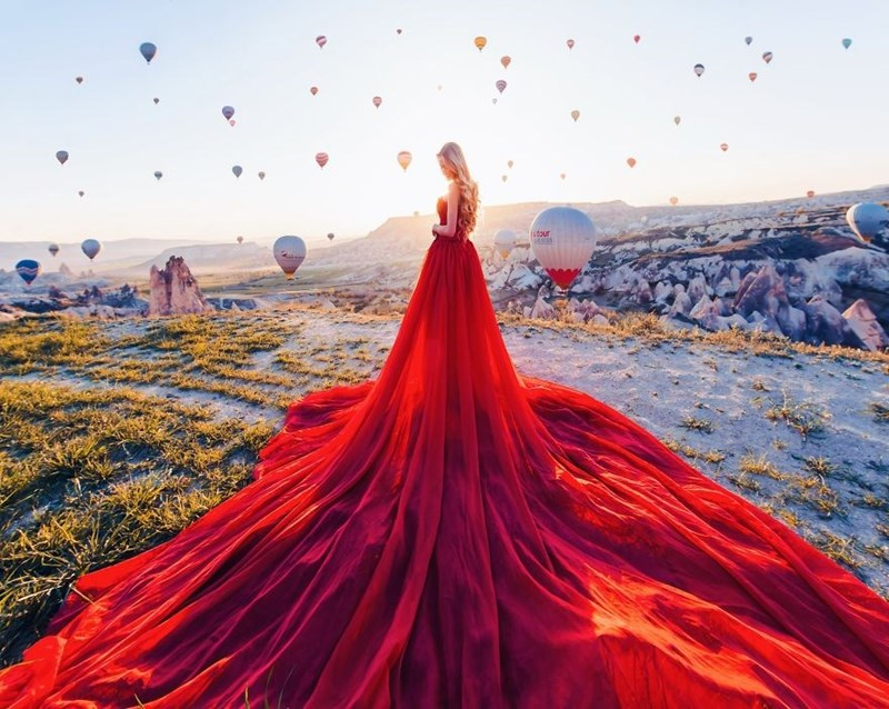 Red - itour - hotair balloons in Turkey