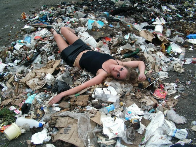 russian girls - Waste - Pwee