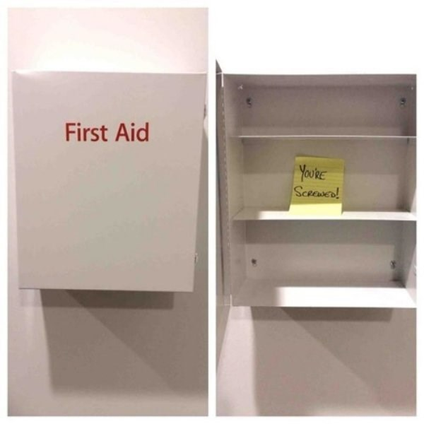 work meme - Box - First Aid YourE Sceewe!