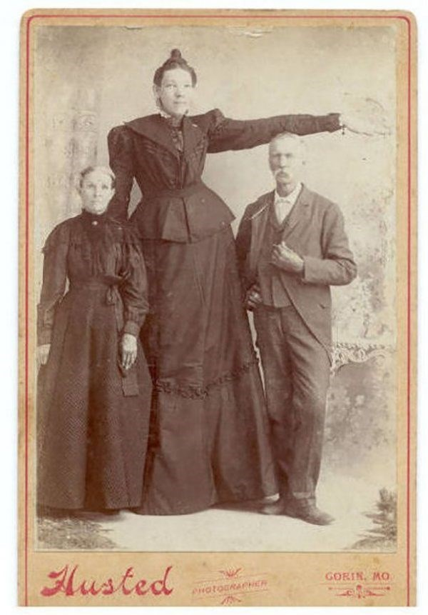 tallest women - Vintage clothing - lusted GORIN, MO eHOtoCRAPH
