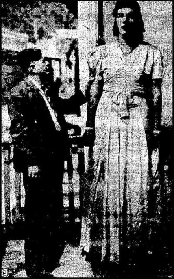 tallest women - Black-and-white
