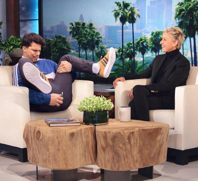 Average Bob lighting a fart on The Ellen Show