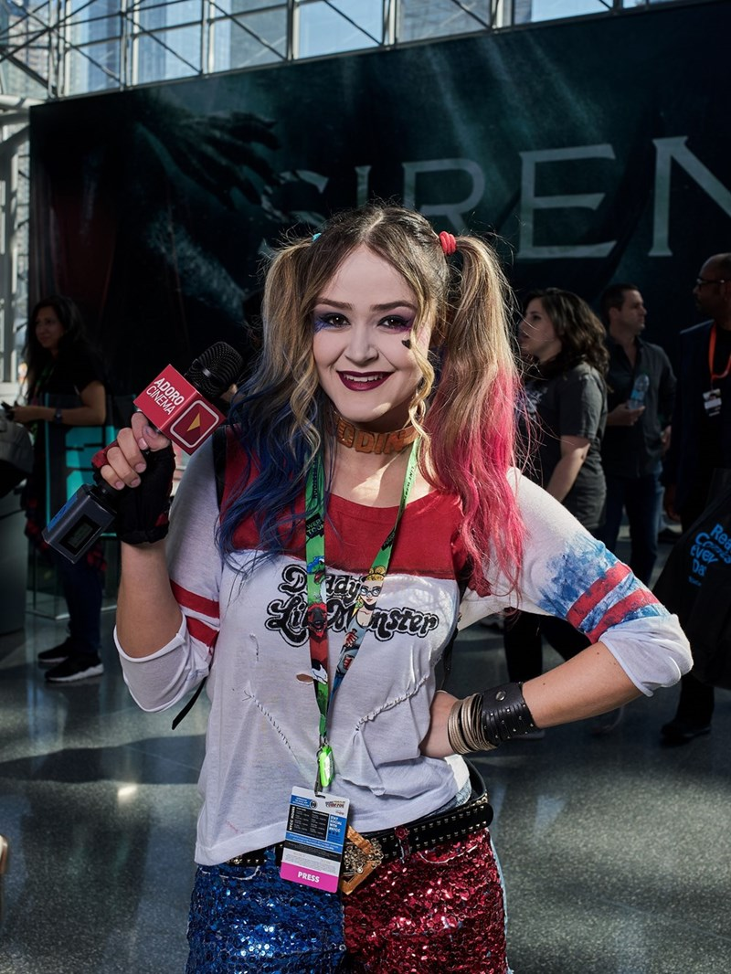 Girl dressed as Harley Quinn at New York Comic Con 2017