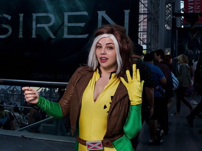 New York Comic Con 2017 girl cosplaying as the flash