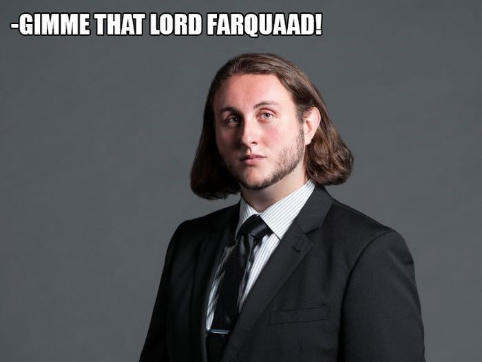 Suit - -GIMME THAT LORD FARQUAAD!