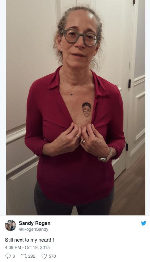 Shoulder - Sandy Rogen @RogenSandy Still next to my heart!!! 4:09 PM - Oct 19, 2015 8 292 570