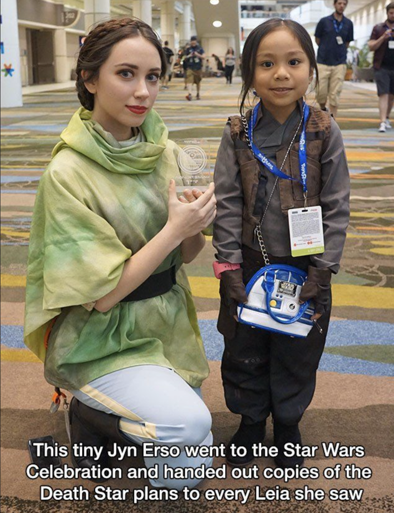 Photography - This tiny Jyn Erso went to the Star Wars Celebration and handed out copies of the Death Star plans to every Leia she saw