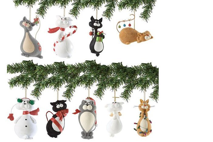 Christmas tree ornaments of different kinds of cats
