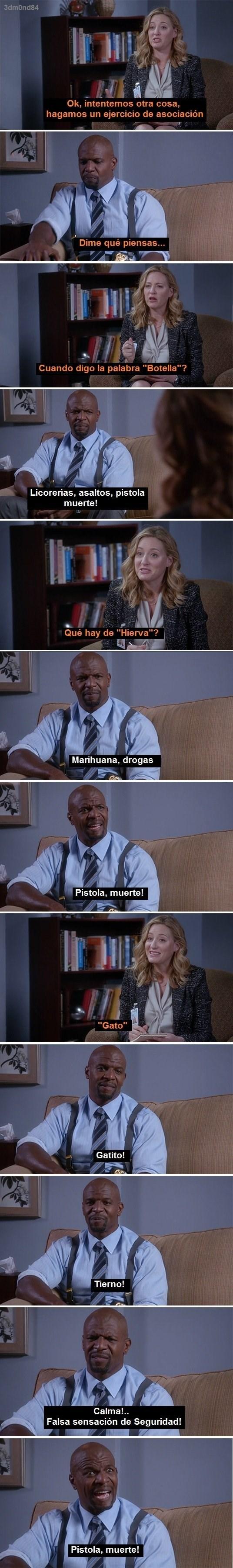 escena de una entrevista a un policia