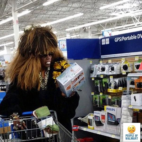 woman has huge wig on head people of walmart memes