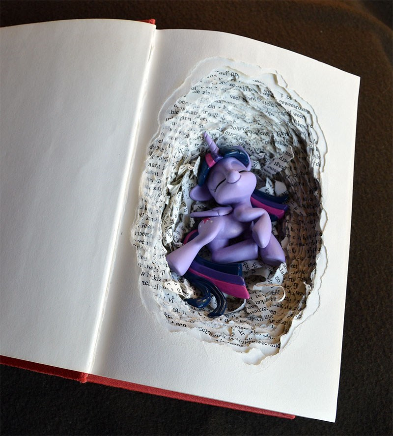 twilight sparkle books prototype space monkey - 9124681984