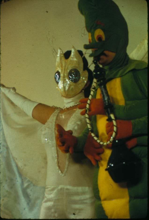 vintage cosplay - Yellow