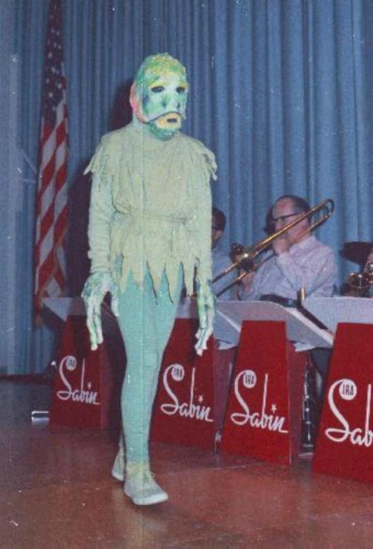 vintage cosplay - Talent show - IRA Javin abin abin ab