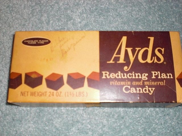 Snack - Ayds CHOCOLATELVOR FUDGE TYe Reducing Plan vitamin and mineral Candy NET WEIGHT 24 OZ (1½LBS)