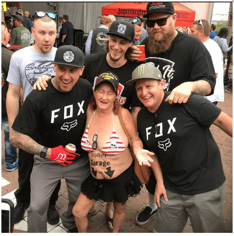 Team - catian ECLE RACa 3 Jagerme Frndia Speaszass MOTO ARMY IES FOX FX BOner Garage