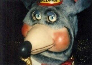 cursed image - Nose of chuck e cheese