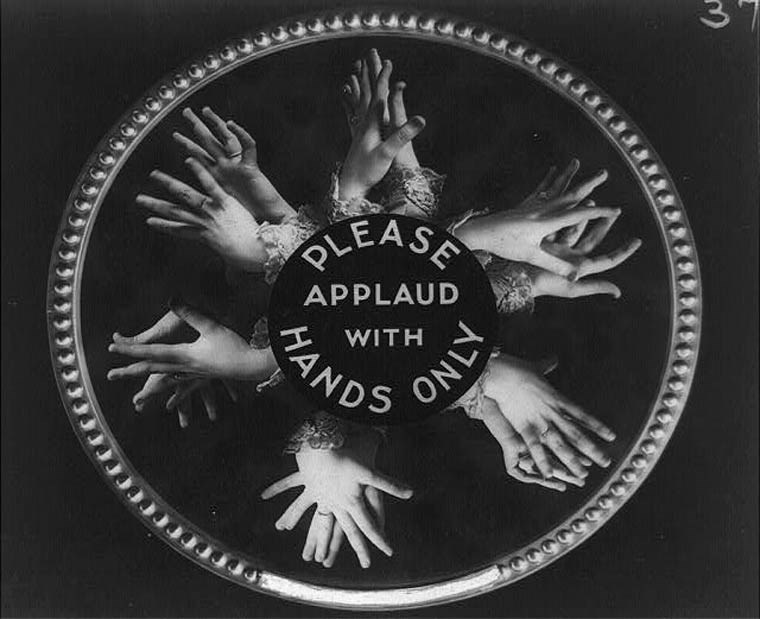 Emblem - QLEASE APPLAUD ANDS WITH NO