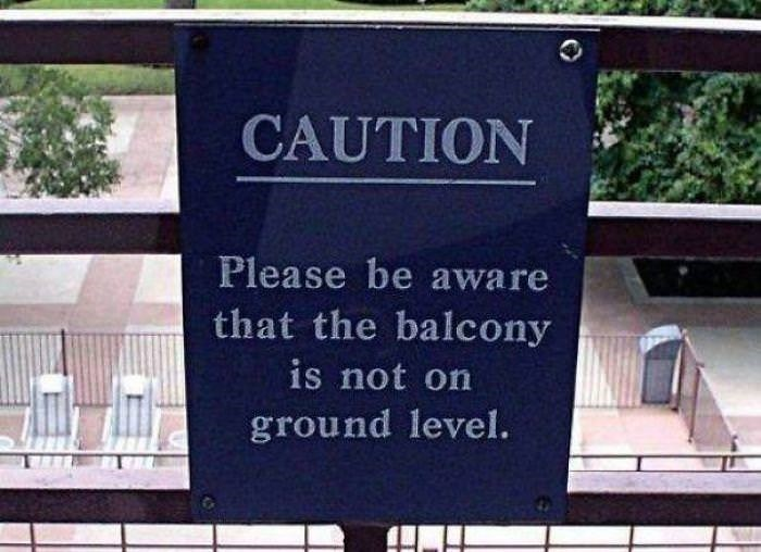 Property - CAUTION Please be aware that the balcony is not on ground level.