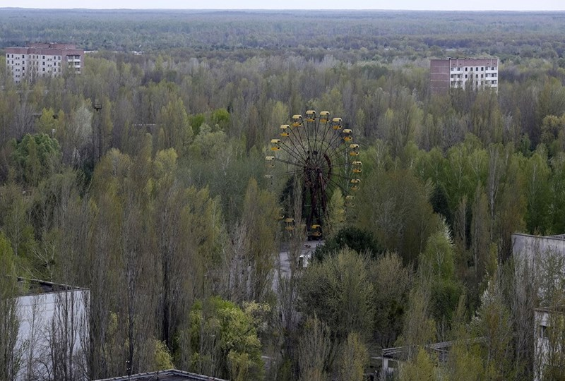 Abandoned ferris wheel in Pripyat after the Chernobyl disaster