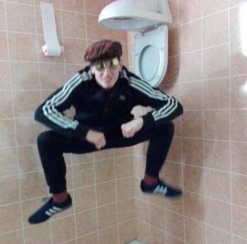 cursed images - Tile bathroom upside down