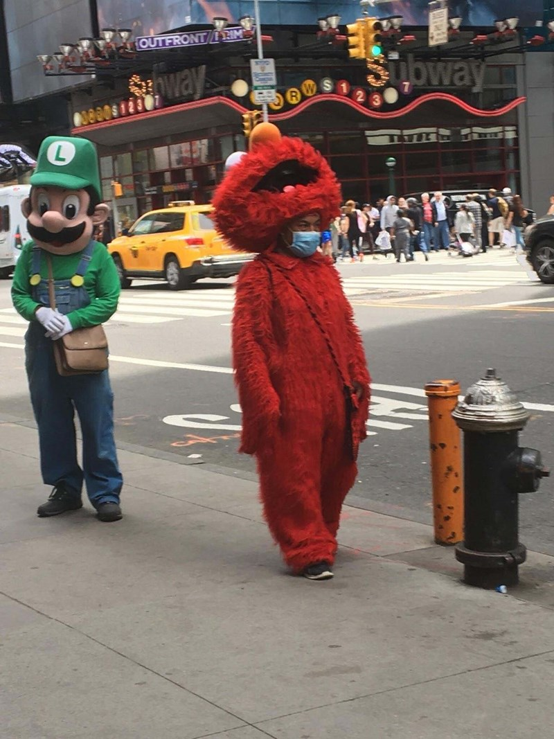 cursed images - Costume - OUTFRONT RIM Oway Oway elmo costume
