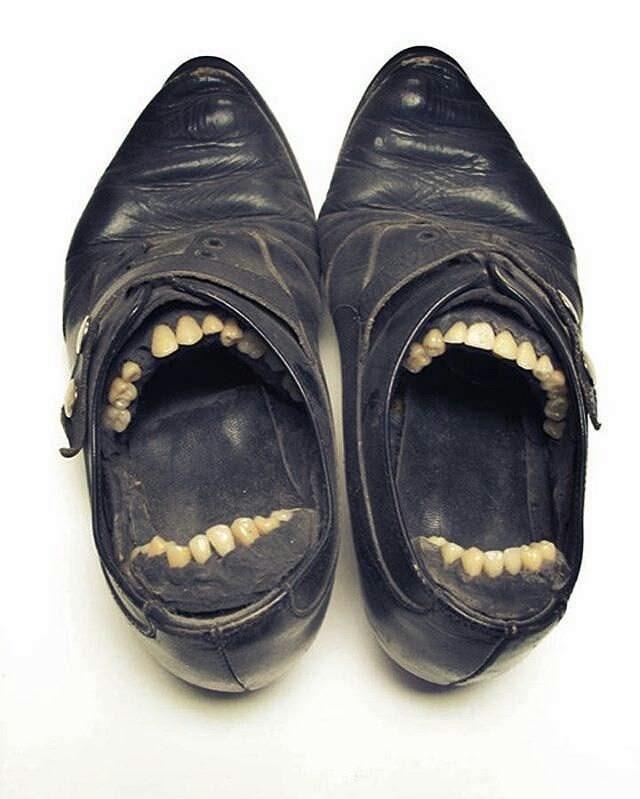 teeth - Footwear