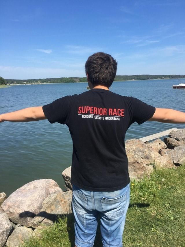 T-shirt - SUPERIOR RACE NORDENS TUFFASTE HINDERBANA