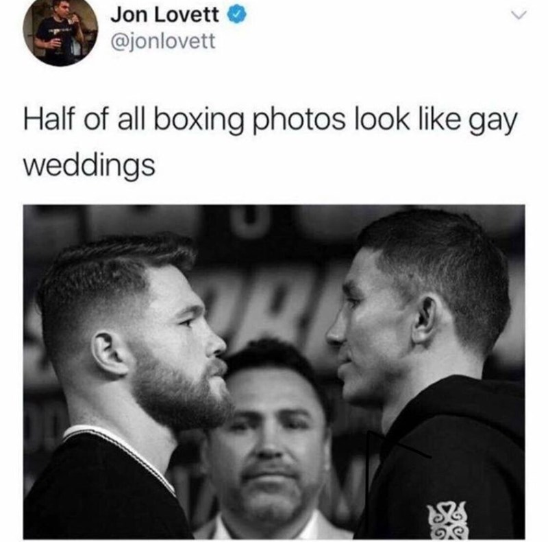 tweet pointing out a pic of boxers looks like a gay couple