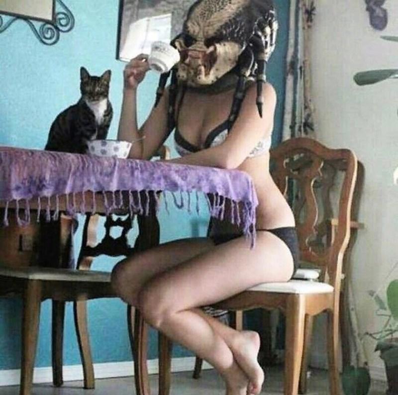 cursed_image - Leg - www.wfuwne