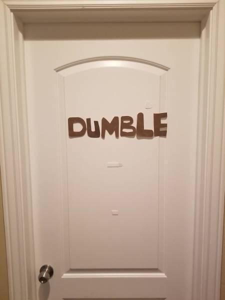 Door - DUMBLE