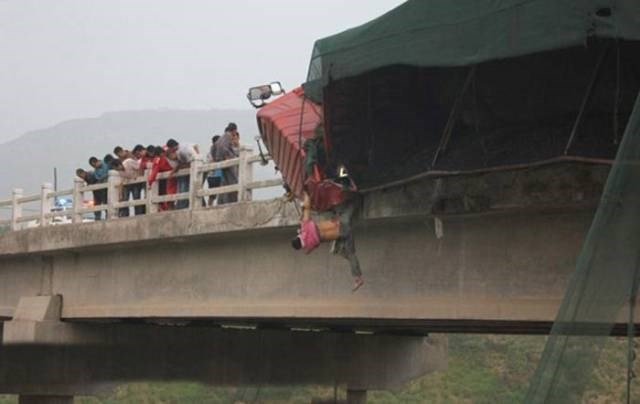 Cheezburger Image 9188488448