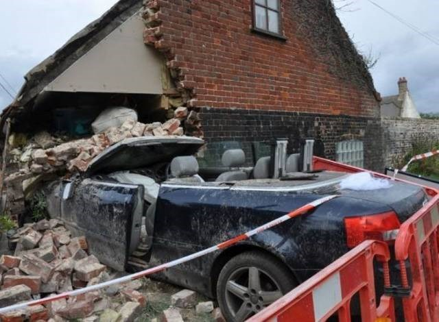 Cheezburger Image 9188491264