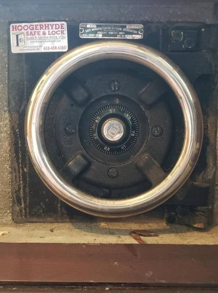 Cheezburger Image 9188493312