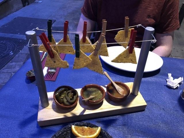weird restaurant - Folk instrument