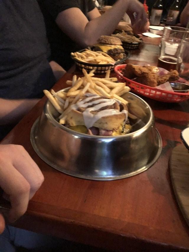 weird restaurant - Dish