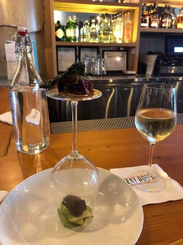 weird restaurant - Wine glass - EXT D ANENICAHEATER