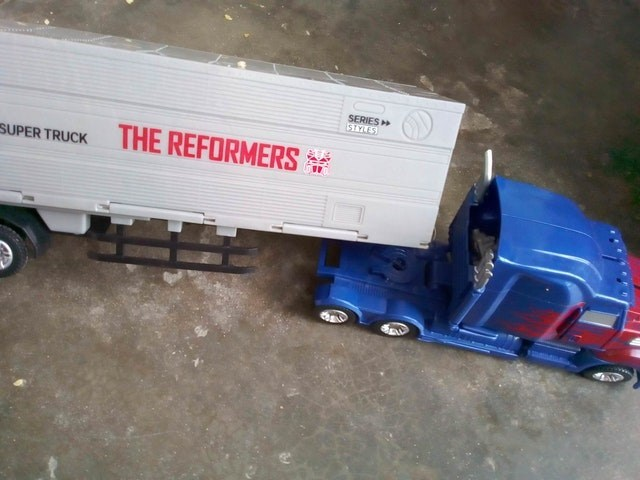 Transport - SERIES STYLES THE REFORMERS SUPER TRUCK